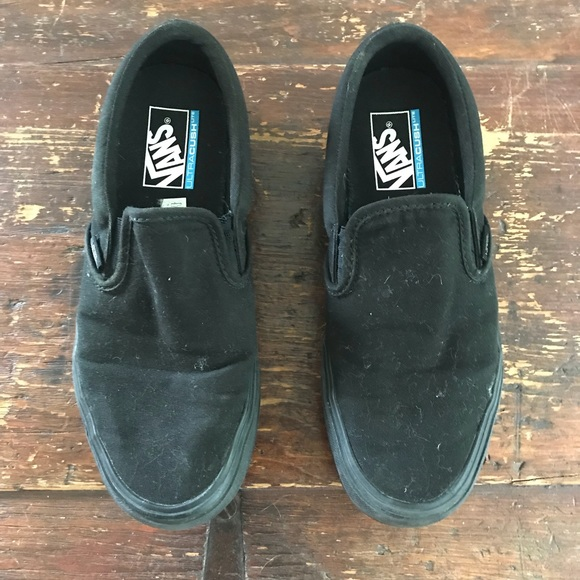 930b41a877 Vans ultracush lite triple black slip on 8 9.5. M 5be5fd2bf63eea9152d0942c